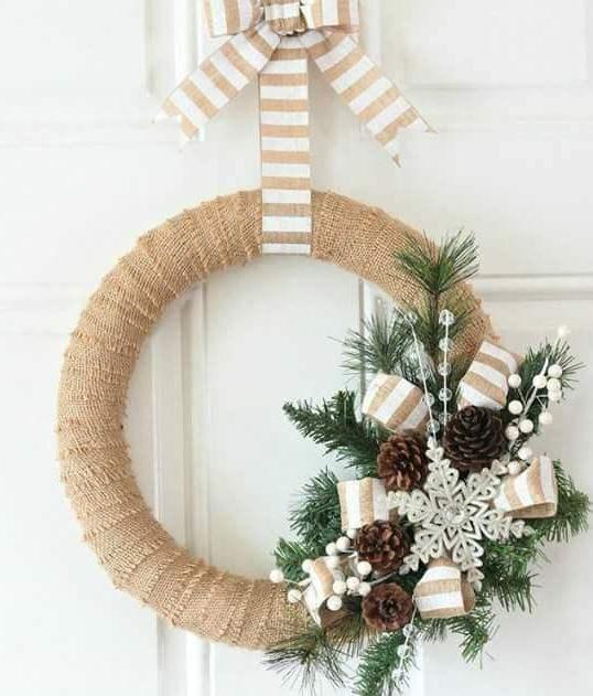 Sencilla corona de Navidad moderna